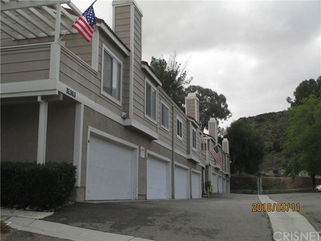 31365 The Old Road Unit B, Castaic CA 91384