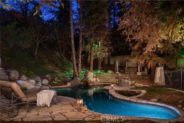 4538 Westchester Drive, Woodland Hills CA: http://media.crmls.org/mediascn/795502bd-e766-45fb-9c66-72d7621407a8.jpg