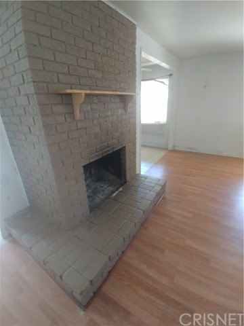 44621 Stanridge Avenue, Lancaster CA: http://media.crmls.org/mediascn/796da404-9924-46f9-b715-d852327ead7b.jpg