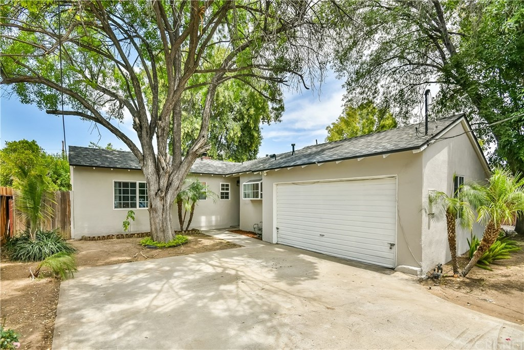 Property for sale at 23135 Friar Street, Woodland Hills,  CA 91367
