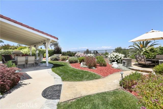 11919 Silver Crest Street, Moorpark CA: http://media.crmls.org/mediascn/79cd7005-d89d-4289-8f09-d0316d8d8b76.jpg