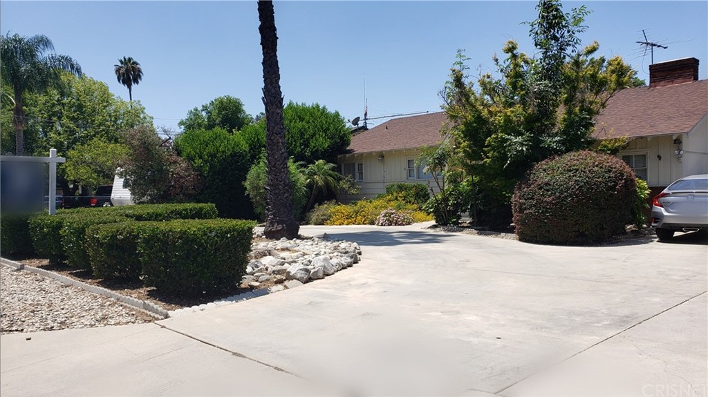 8609 AQUEDUCT Avenue, North Hills, CA 91343