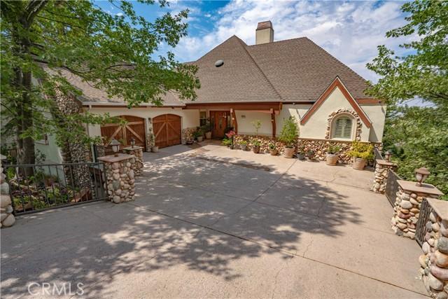 131 Cypress Drive, Lake Arrowhead, California 92352, 3 Bedrooms Bedrooms, ,2 BathroomsBathrooms,Residential,For Sale,Cypress,SR21135233