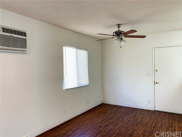 6907 Coldwater Canyon Avenue, North Hollywood CA: http://media.crmls.org/mediascn/7a61a86b-0e7c-4291-a96a-6b0b8095167d.jpg