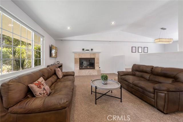 20324 Reaza Place, Woodland Hills CA: http://media.crmls.org/mediascn/7a757952-8ea7-40d5-b3e4-4d5648a9f129.jpg