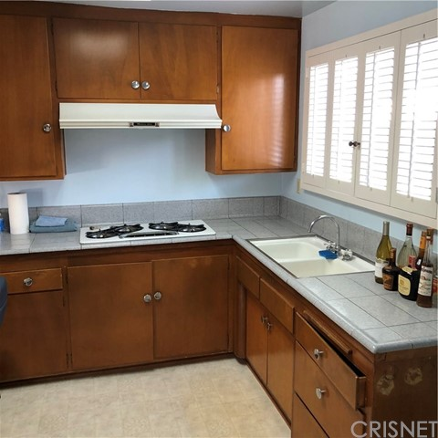 6622 Franrivers Avenue, West Hills CA: http://media.crmls.org/mediascn/7a89a099-baf2-4897-9ccb-b3d21f3ec801.jpg