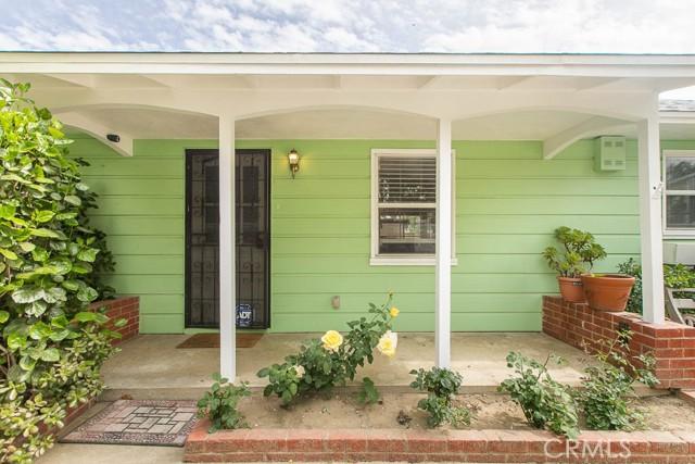 17622 Cohasset Street, Lake Balboa CA: http://media.crmls.org/mediascn/7b0f746a-1662-429c-8c7b-faea8a59308f.jpg