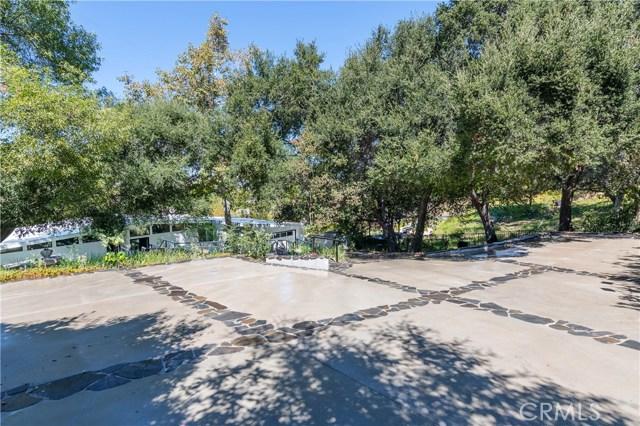 22133 Mulholland Drive, Woodland Hills CA: http://media.crmls.org/mediascn/7bafdbf9-3385-4e09-b459-47cf8b6249d3.jpg