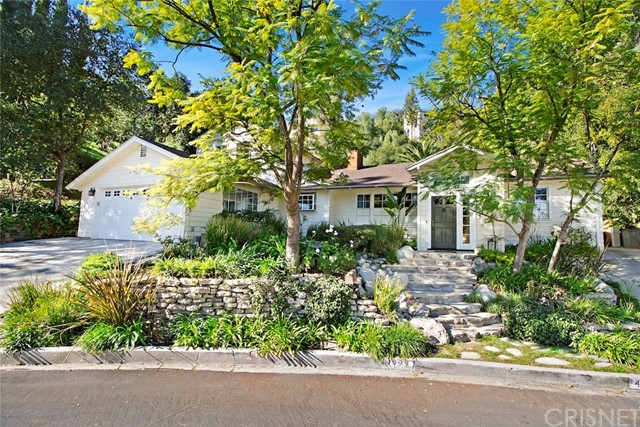 Single Family Home for Sale at 4995 Campo Road 4995 Campo Road Woodland Hills, California 91364 United States