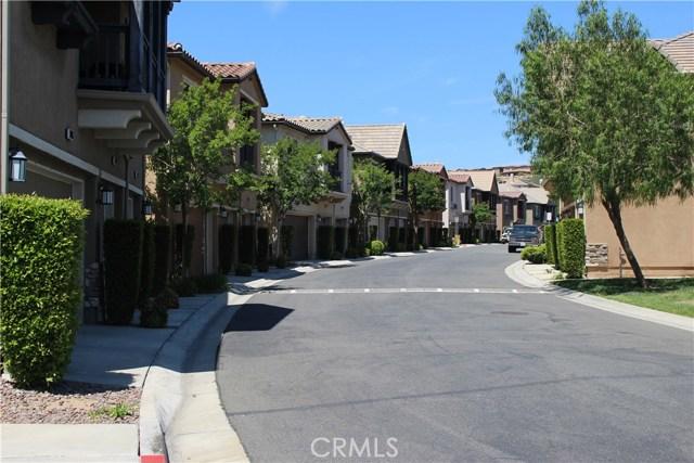 19524 Laroda Lane, Saugus CA 91350