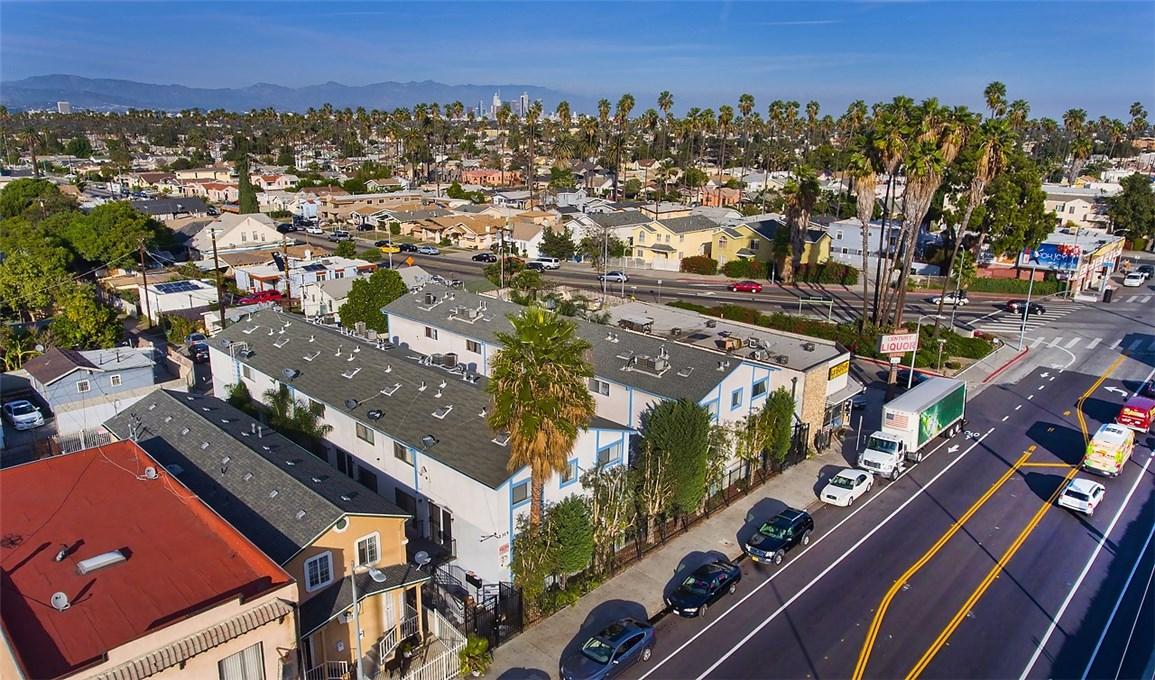 2315 W 54th St, Los Angeles, CA 90043 Photo 2