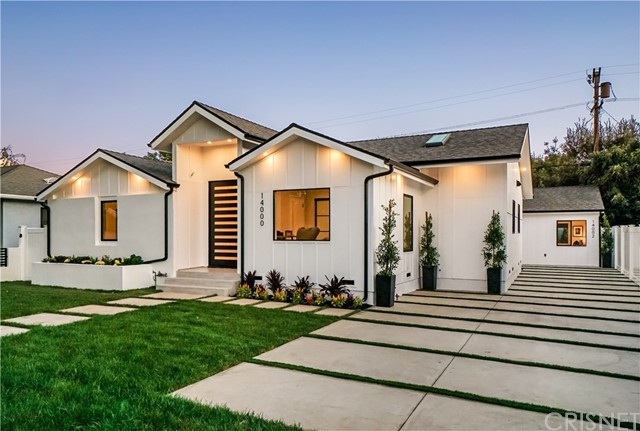 Photo of 14000 Huston Street, Sherman Oaks, CA 91423