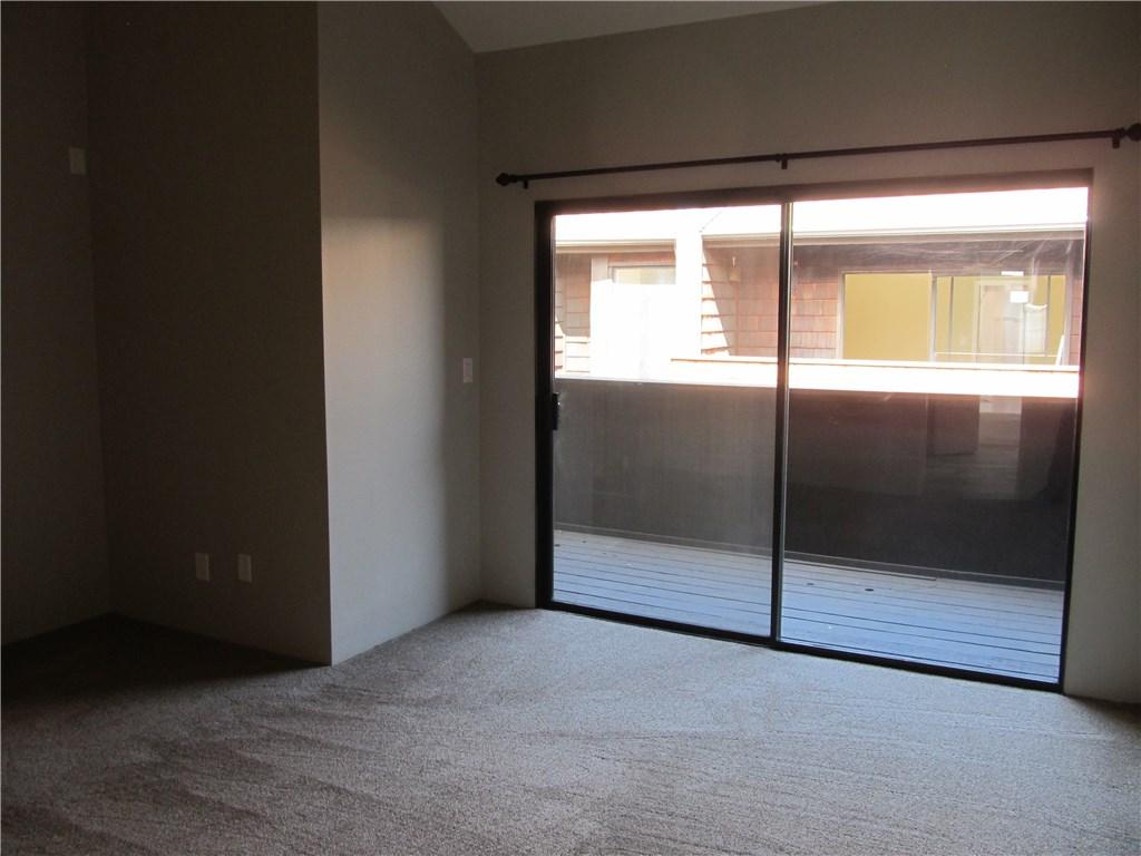 326 N 5th Street, Burbank CA: http://media.crmls.org/mediascn/7d0396c4-31a6-434c-8cf7-753e33583027.jpg