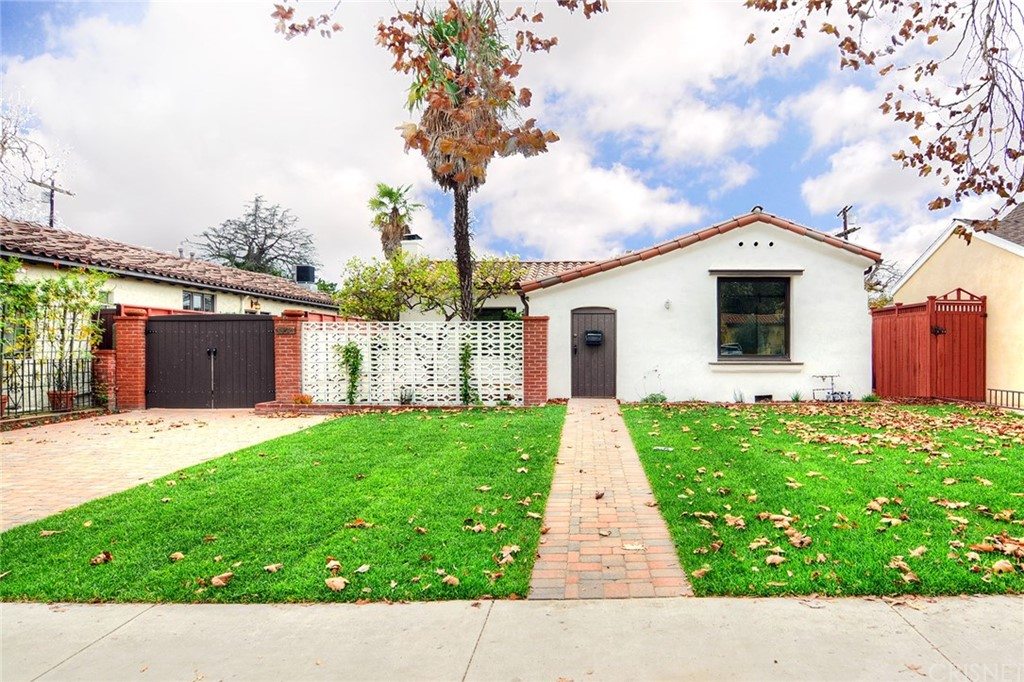 Photo of 4425 Mariota Avenue, Toluca Lake, CA 91602