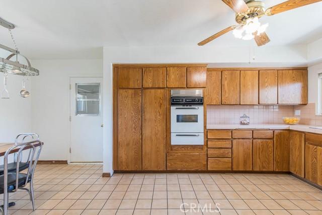 10920 Garden Grove Avenue, Northridge CA: http://media.crmls.org/mediascn/7d77f89d-40c3-4e76-9154-1ec12753e9a8.jpg