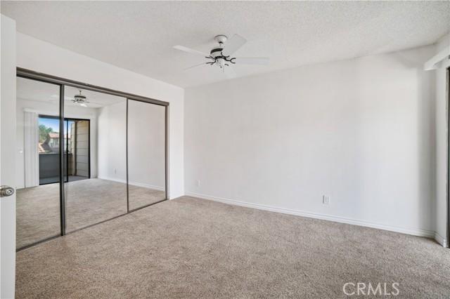 74 Maegan Place, Thousand Oaks CA: http://media.crmls.org/mediascn/7de1e6aa-b855-40b0-aac0-80bf7d40a005.jpg