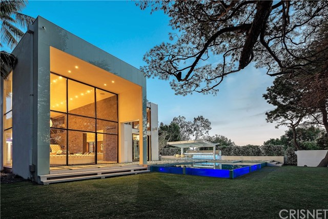 Single Family Home for Sale at 1024 Summit Drive Beverly Hills, 90210 United States
