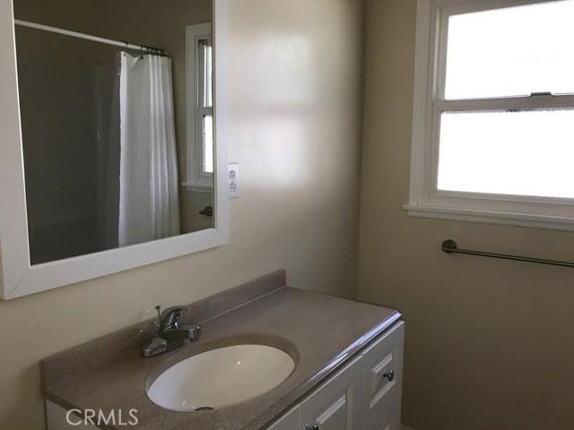 7427 Lena Avenue, West Hills CA: http://media.crmls.org/mediascn/7e041668-c11c-4583-bbc0-8138489f2ba1.jpg