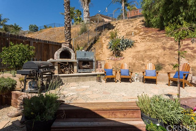 22989 Mulberry Glen Drive, Valencia CA: http://media.crmls.org/mediascn/7e0dbe76-f8b2-40e6-b493-d3e378e1105c.jpg