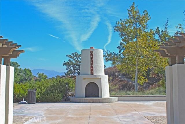 26900 Monterey Avenue, Valencia CA: http://media.crmls.org/mediascn/7e0efea5-238d-4826-be3e-f5419dd50b3f.jpg