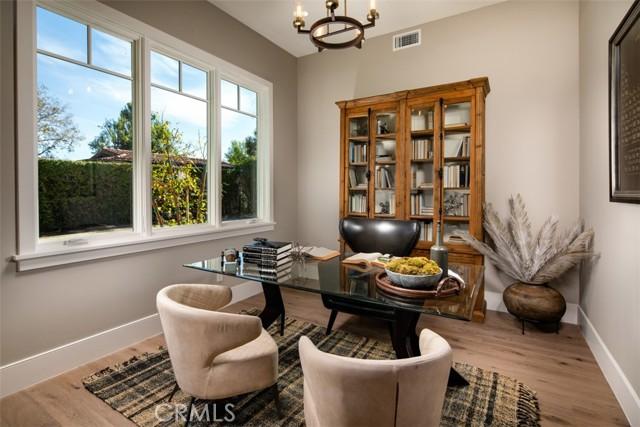 4200 Mesa Vista Drive, La Canada Flintridge CA: http://media.crmls.org/mediascn/7e186be0-96f6-413a-a532-bc93365e88fa.jpg