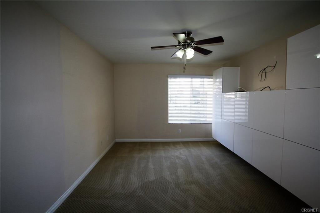 5545 Canoga Avenue, Woodland Hills CA: http://media.crmls.org/mediascn/7e357a76-5250-4dc8-932e-23fb8fda3ca7.jpg