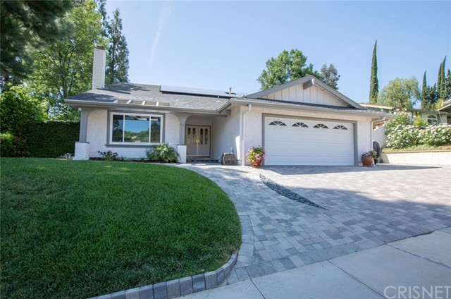 Single Family Home for Sale at 43 Basswood Avenue N Oak Park, California 91377 United States