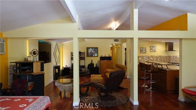 Additional photo for property listing at 19951 Acre Street  Northridge, California 91324 Estados Unidos