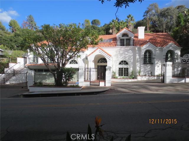 3718 Hayvenhurst Avenue, Encino CA 91436