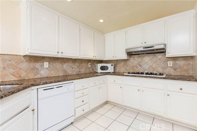 7519 Melvin Avenue, Reseda CA: http://media.crmls.org/mediascn/7f3a8fa4-1ae3-4a0f-8c3a-ad7a40088257.jpg