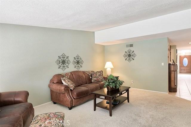 17400 Trosa Street, Granada Hills CA: http://media.crmls.org/mediascn/7f6271ea-20b4-4eb2-8693-6a9f55aec2cb.jpg