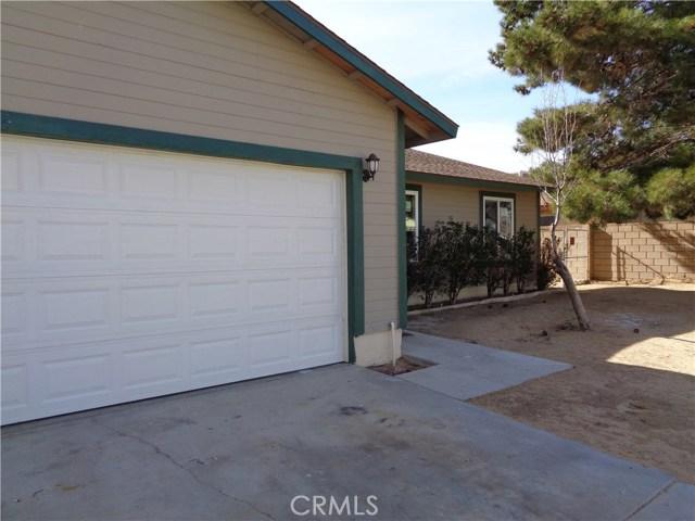 2864 Corona Avenue, Mojave, CA 93501
