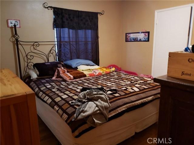 12479 Bradley Avenue, Sylmar CA: http://media.crmls.org/mediascn/7fa413be-d496-48cc-8723-de3ff5db9290.jpg