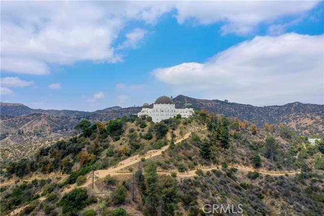 2258 Winona Boulevard, Los Angeles CA: http://media.crmls.org/mediascn/7fb41b23-fcd4-406a-bc8e-fa6488d91657.jpg