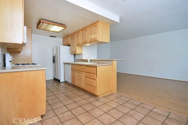6221 1/2 Nita Avenue, Woodland Hills CA: http://media.crmls.org/mediascn/7fc962fb-07d3-4a5c-a14f-023ab2c6e9bb.jpg