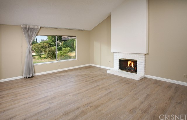 7610 Vicky Avenue, West Hills CA: http://media.crmls.org/mediascn/7fc97738-d7fc-41b9-9f46-8b50a64905c8.jpg
