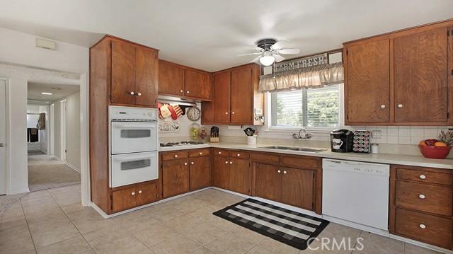 20338 Itasca Street, Chatsworth CA: http://media.crmls.org/mediascn/7fd77199-998e-4499-81d2-d44d4c3d764f.jpg