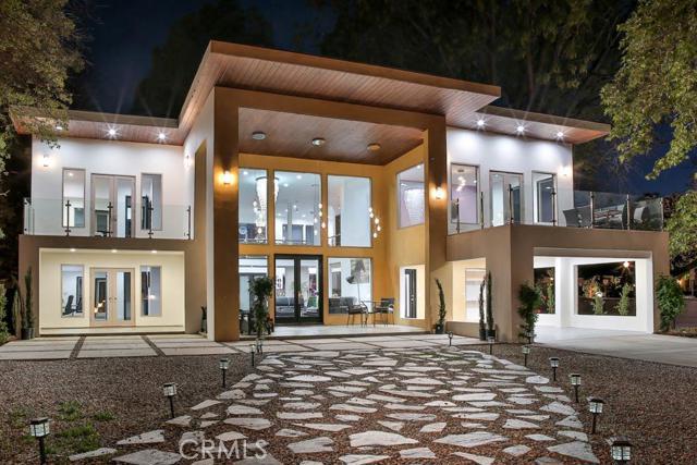 15373 Valley Vista Boulevard, Sherman Oaks, CA 91403