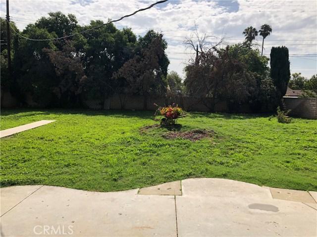 10426 Yolanda Avenue, Northridge CA: http://media.crmls.org/mediascn/7fe9052f-cb9e-4eb0-8fb1-2d2f5db40113.jpg