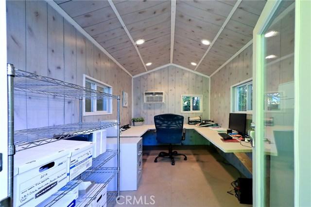 5808 GRAVES Avenue, Encino CA: http://media.crmls.org/mediascn/800db670-38d2-4fc6-8e09-db6c37c12374.jpg