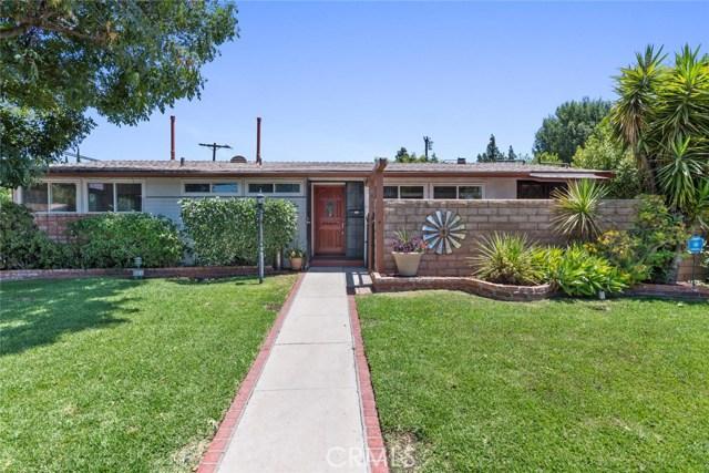 10624 Gaviota Avenue, Granada Hills CA: http://media.crmls.org/mediascn/801a4cf7-9a0f-4ea7-94aa-b7f9411d37d2.jpg