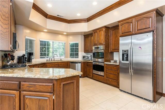 11900 Andasol Avenue, Granada Hills CA: http://media.crmls.org/mediascn/802b9ece-018e-4d49-8c5f-616ee660f1f8.jpg