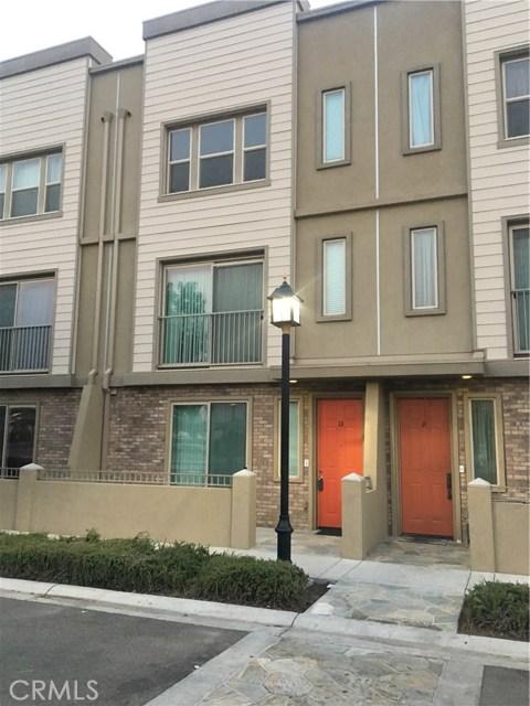 1300 R Street, Bakersfield CA: http://media.crmls.org/mediascn/80445acf-25c1-4ed1-a392-63cb18be458f.jpg