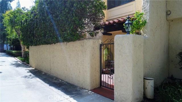 10126 Reseda Boulevard, Northridge CA: http://media.crmls.org/mediascn/804cfd54-b0da-4fe5-857f-b68926529aac.jpg