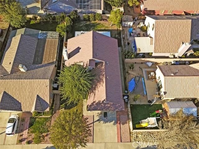 5139 Sunburst Drive, Palmdale CA: http://media.crmls.org/mediascn/808ef5e9-3d07-427d-ba41-cd2ac85eca1c.jpg