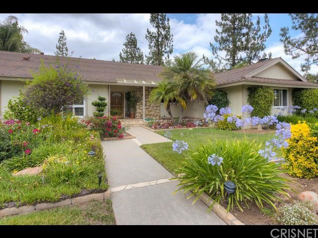 Photo of 23301 ARMINTA Street, West Hills, CA 91304