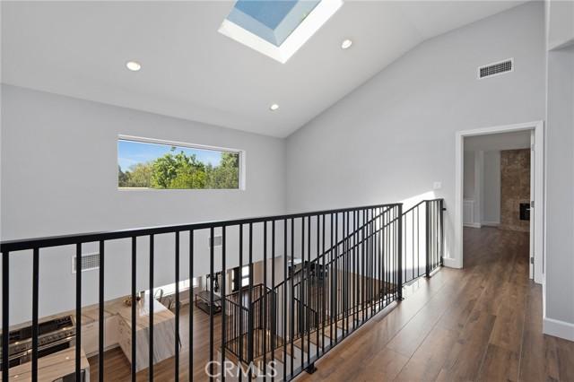 6140 Fenwood Avenue, Woodland Hills CA: http://media.crmls.org/mediascn/80d8acfe-c0f8-4515-9ec4-95b8f49a3579.jpg