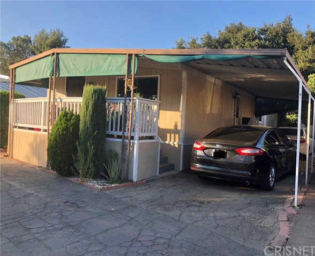 23450 Newhall Avenue, Newhall CA: http://media.crmls.org/mediascn/80ddb76c-e07b-4c22-967a-cd26b129c3fe.jpg