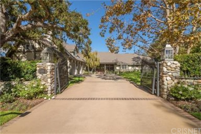 Single Family Home for Sale at 4391 Golf Course Drive Westlake Village, California 91362 United States