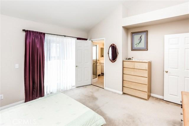 17736 Superior Street, Northridge CA: http://media.crmls.org/mediascn/8100c092-af85-482d-9163-75418b63c389.jpg
